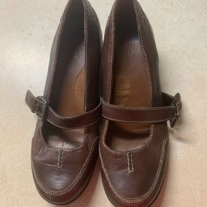 58eb6cdd021 Dress shoe with a little height in them